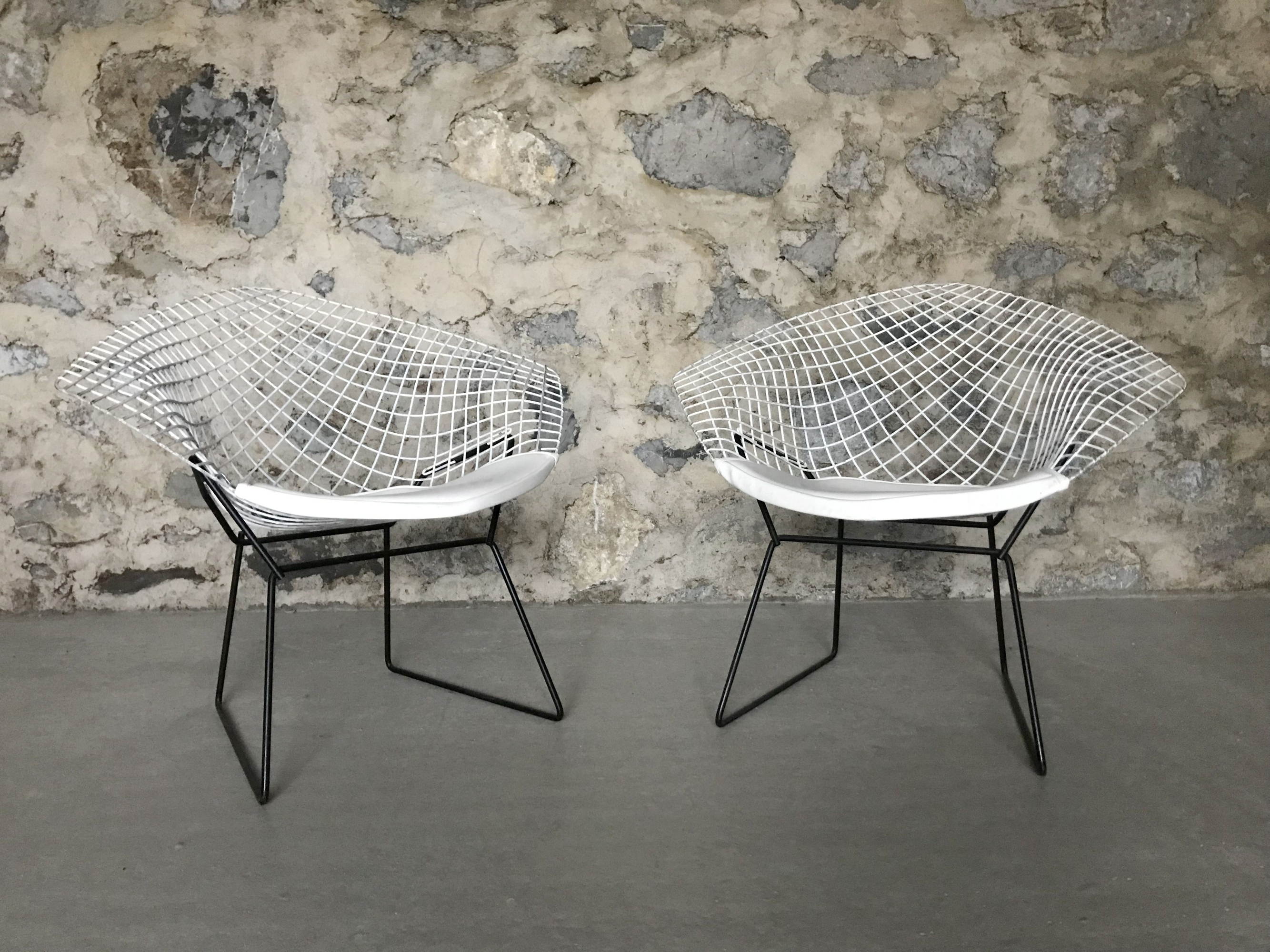 2. fauteuils-diamond-harry-bertoia-pour-knoll.jpg