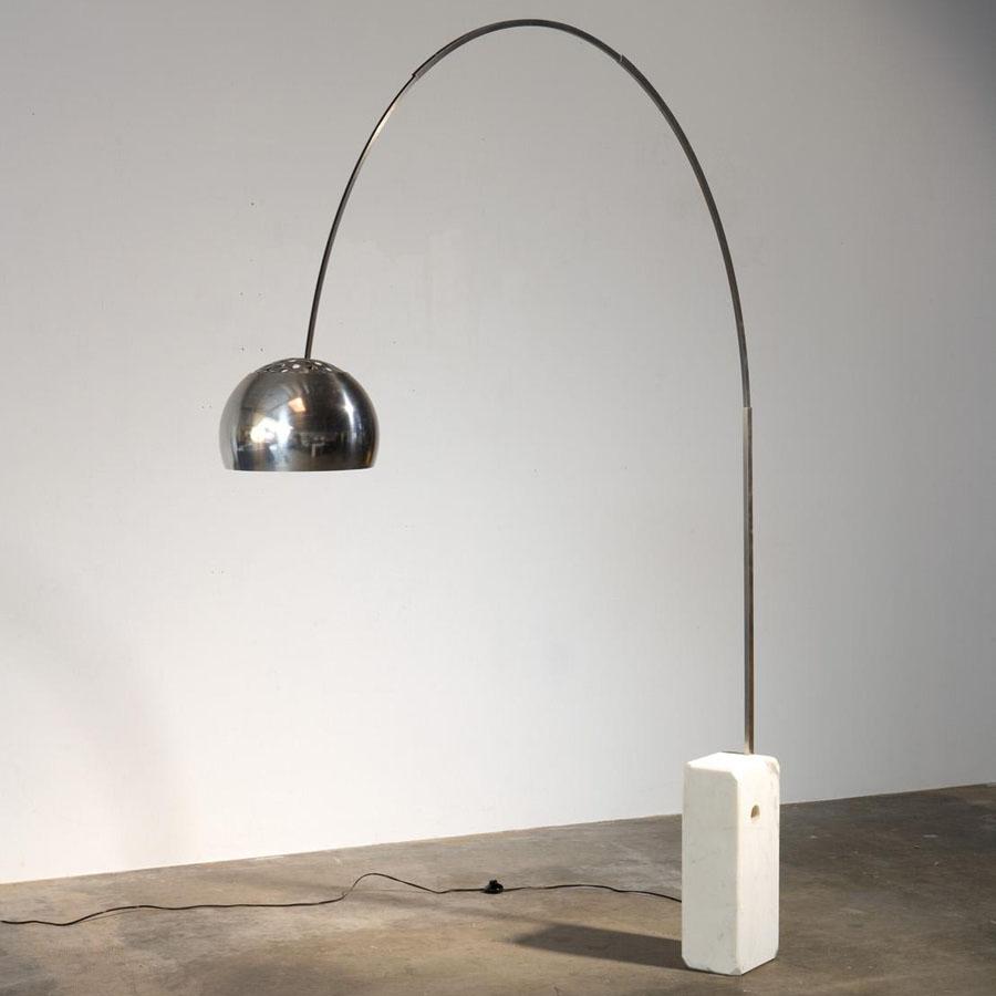 Lampe-Arco-design-Achille-Castiglioni-1962.jpg